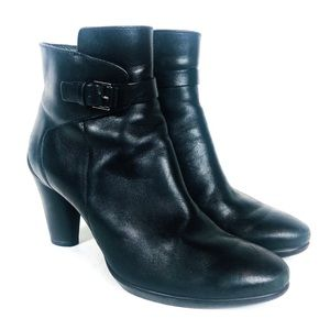 ECCO Black Leather Buckle Heeled Ankle Bootie 9
